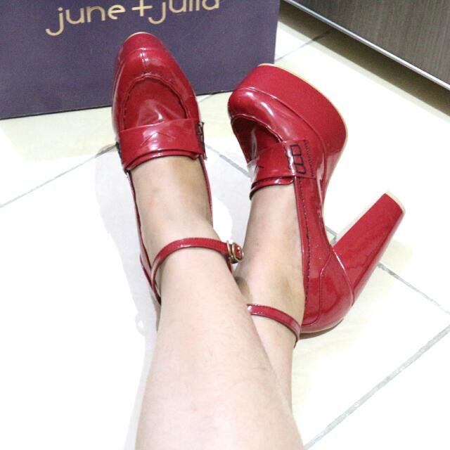 JUNE &JULIA RED SHOES
