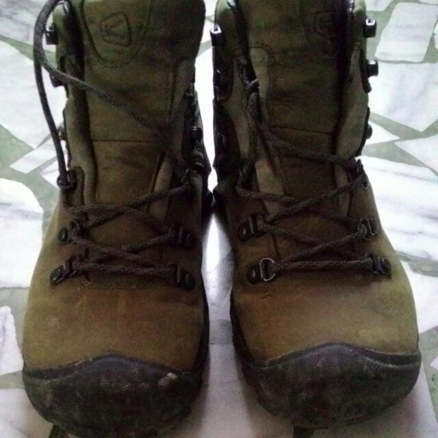 (二手含運)Keen軍綠色登山中筒靴25號