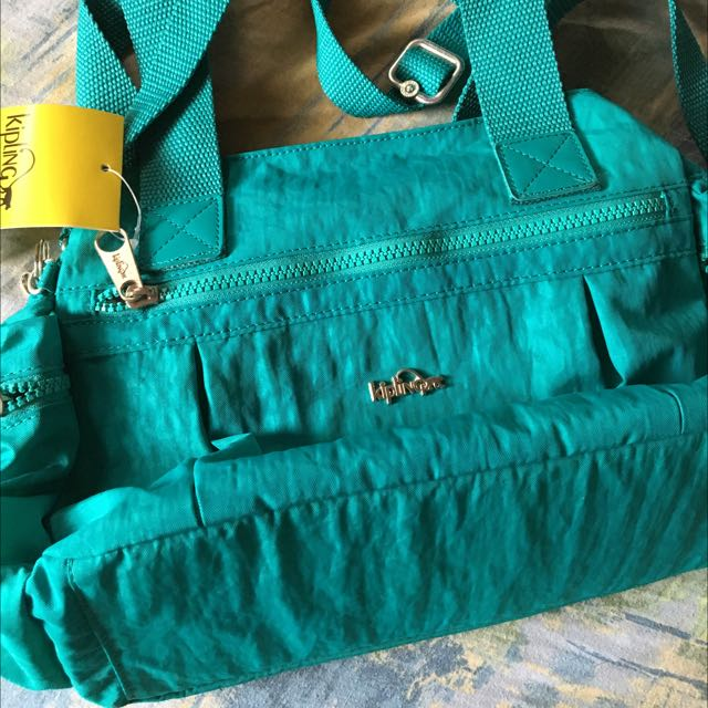 KILPLING HANDBAG (ORIGINAL AND BRAND NEW)