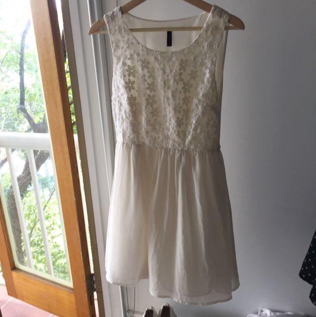 Miss Shop Summer Flower White Dress Size 10/12