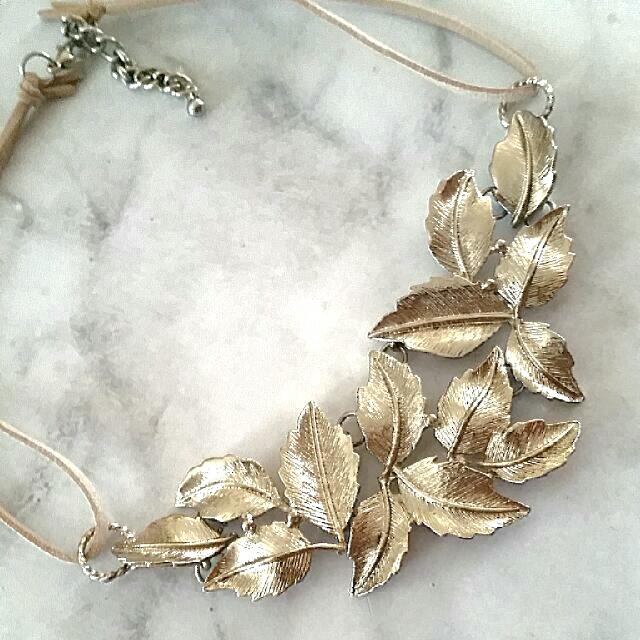 NEW Beige Suede Champaign Leaf Choker Necklace