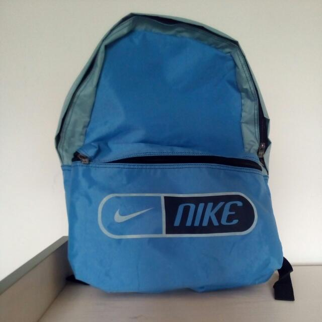 Nike防水後背包