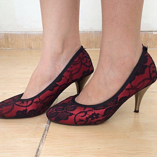 Premium Lace Heels