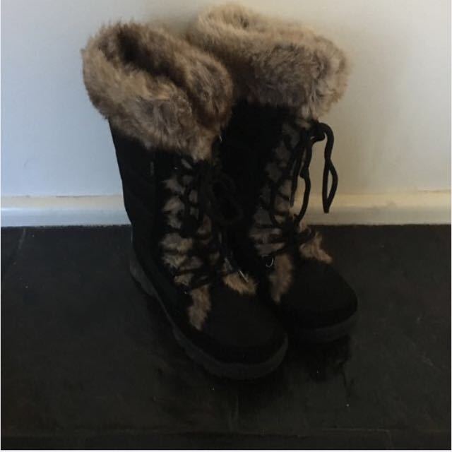 Rojo Snow boots Size 7 / 38