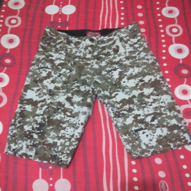 Size: 36 Camouflage Shorts
