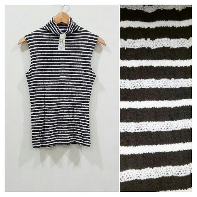 Tanktop Knit Garis Horizontal