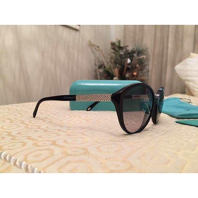 🕶 Tiffany & Co Metro Cry Cat Eye Sunglasses