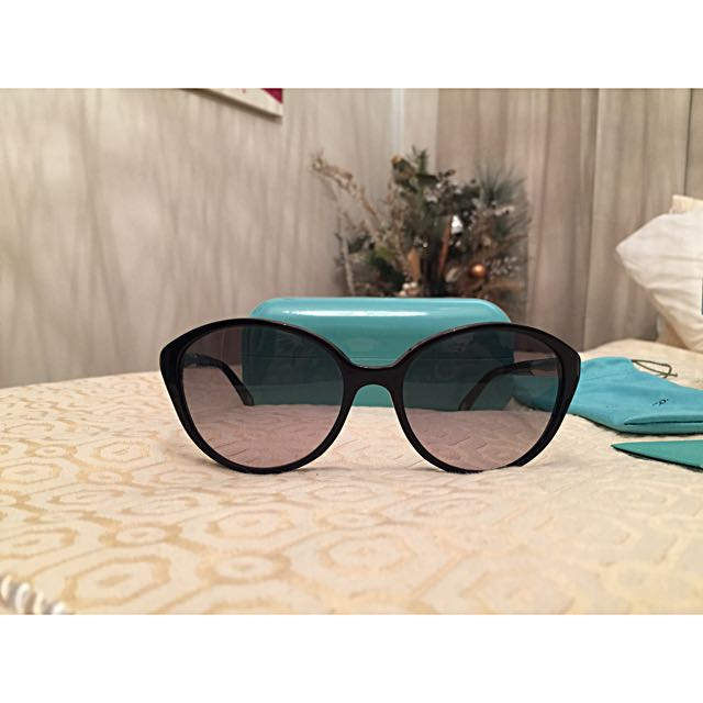 🕶 Tiffany & Co Metro Cry Cat Eye Sunglasses