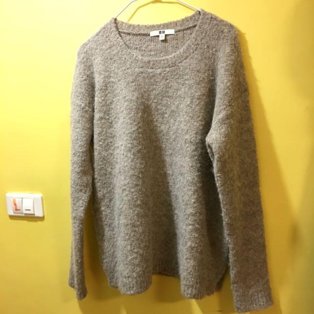 Uniqlo 米色毛呢毛衣