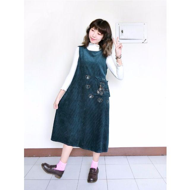 Vintage古著🔹萌系少女燈芯絨可愛泰迪熊刺繡大口袋洋裝