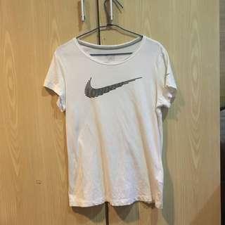 Nike Slim Fit 白色短袖T-shirt xL