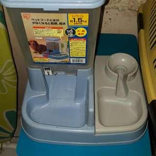 Dispenser Makanan Dan Minum