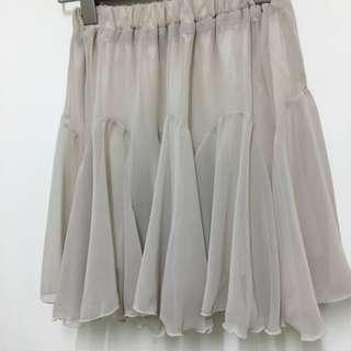 🚚 全新韓製 淺杏色 雪紡紗 A字層次小散裙 內搭短裙