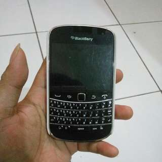 BlackBerry Bold 9900 ( BB Dakota )