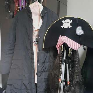 COSPLAY COSTUME (PIRATE CAPTAIN)