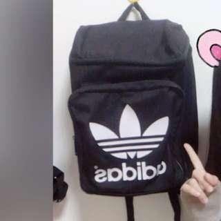 愛迪達後背包