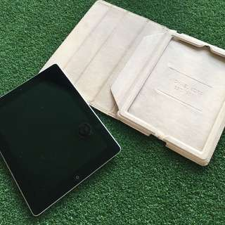 Black iPad 2 16gb Wifi + Free Michael kors Cover