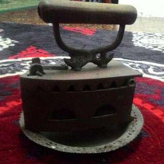 Iron Tembaga Lama
