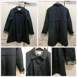 【現貨專區】黑色韓版落肩寬鬆圖騰袖色風衣