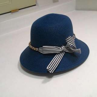 藍色遮陽帽
