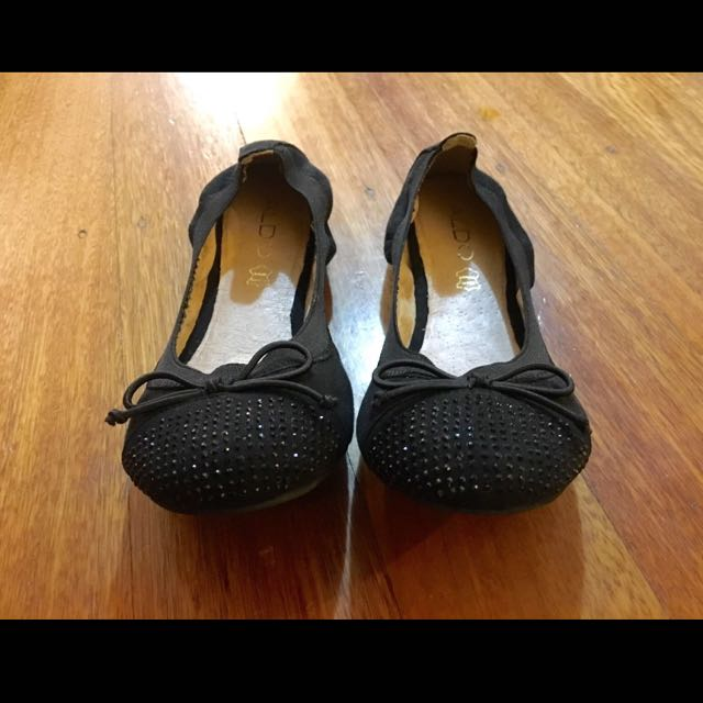 Pair of Brand New Black Aldo Leather Ballet Flats. Size 6.5US. Free Postage