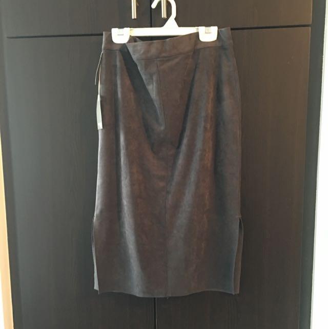 "Aritzia - Wilfred Free - ""Lis Skirt"" in Dark Charcoal"