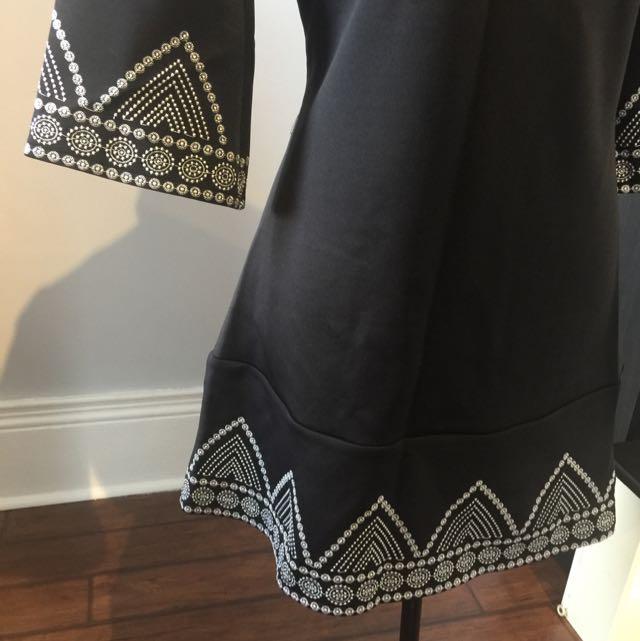 black crew neck embroidered dress/top