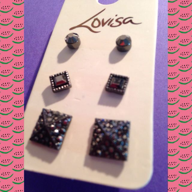Black Stud Earrings - Lovisa