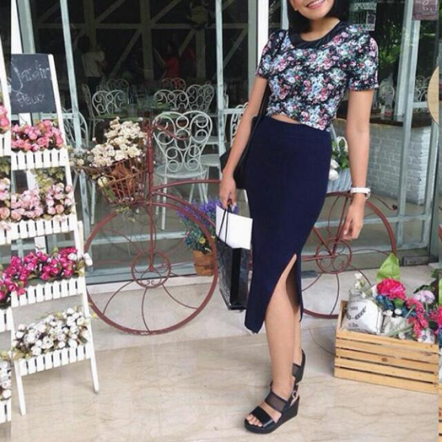 bodycon navy skirt