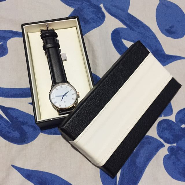 Casual Unisex Black Leather Strap Watch