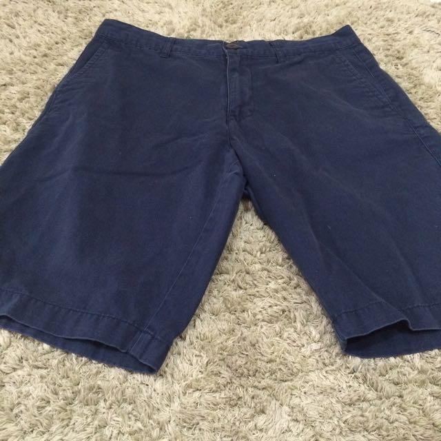 Celana Pendek Giordano Size 32