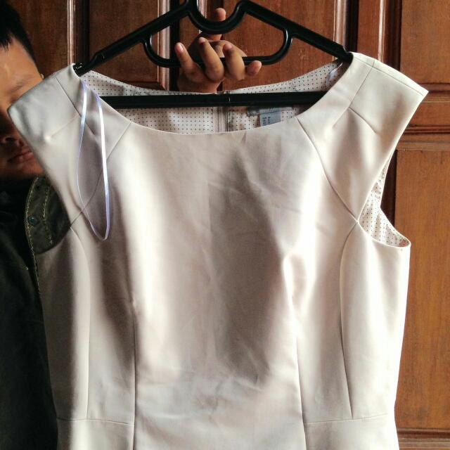 H&M Dress (Warna Cream)