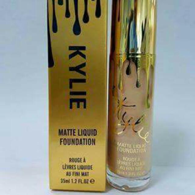 Kylie Matte Liquid Foundation