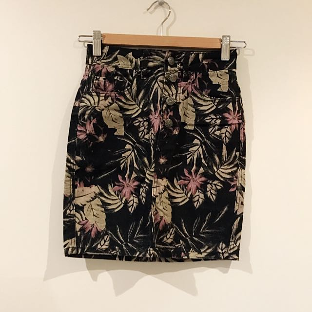 LEE Denim Printed Floral Skirt Size 6