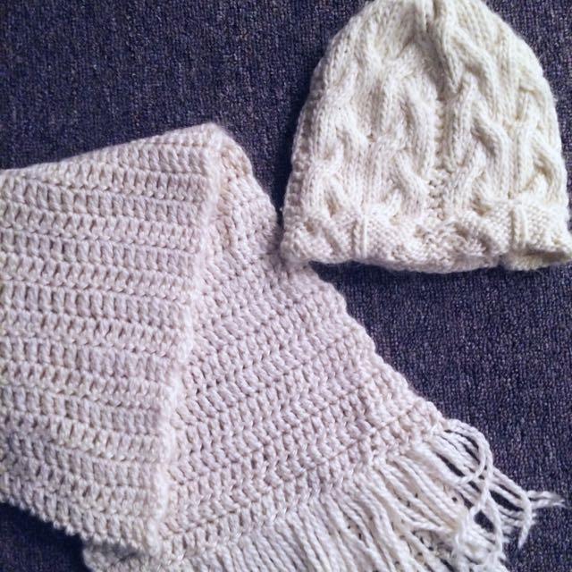 Matching Knitted Toque N Scarf