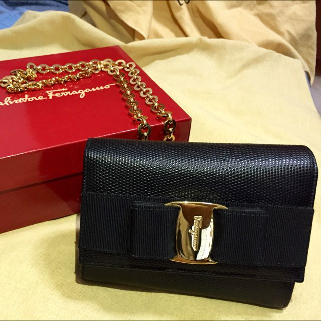 b14cf3e57 Salvatore Ferragamo Vintage Mini Miss Vara Bow Black Leather Clutch ...