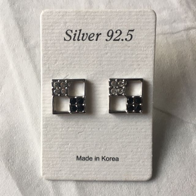 Silver Square Earrings with black stones