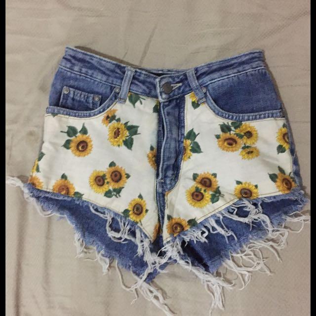 Sunflower Highwaist Shorts