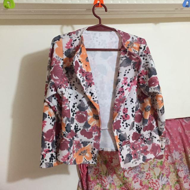 #017 Floral blazer