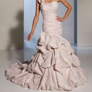 Elegant Wedding Gown