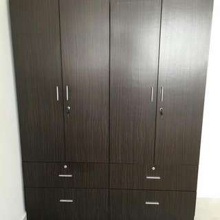 Wardrobes With Drawer