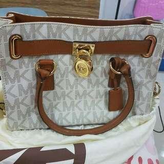 MK Preloved Bag Used Once Almost Brand New