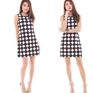 The J Label Blogshop Sophisticated Checkered Gingham Monochrome Black White Office / Casual Illusion Frock / Dress