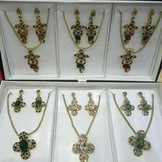 Perhiasan 1 Set