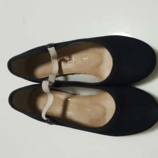 Preloved Ballet Character Shoe Size 1