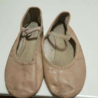 Preloved Ballet Shoe Size 2 1/2