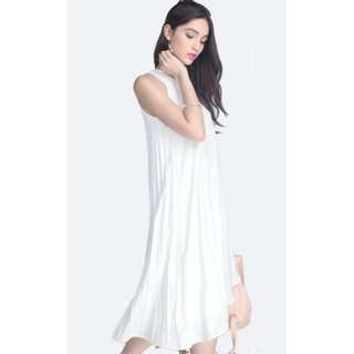 BNWT Fayth Avenue Pleated Midi (White) Size S