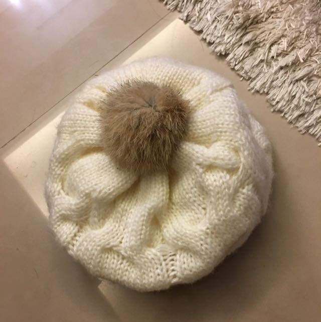 白色毛帽(可議價)