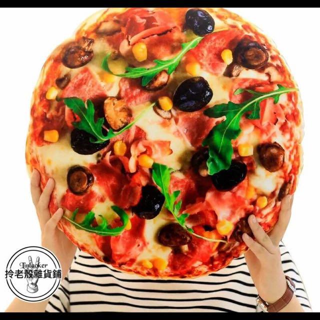 #仿真披薩抱枕 賣披薩喔~吃披薩喔~跟披薩睡覺喔~ 做夢與披薩形影不離 一輩子你都有披薩枕枕  30*30 $350 48*48 $450  蝦皮賣場: http://shopee.tw/fu000007/125969406