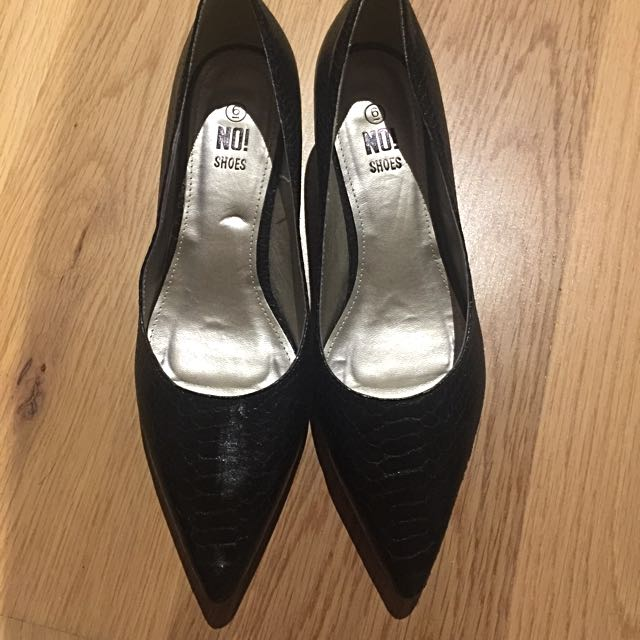 Black Pointy Shoes Size 6